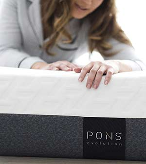 Girl laying on the PONS mattress